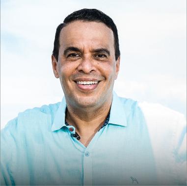 Coach Luis C